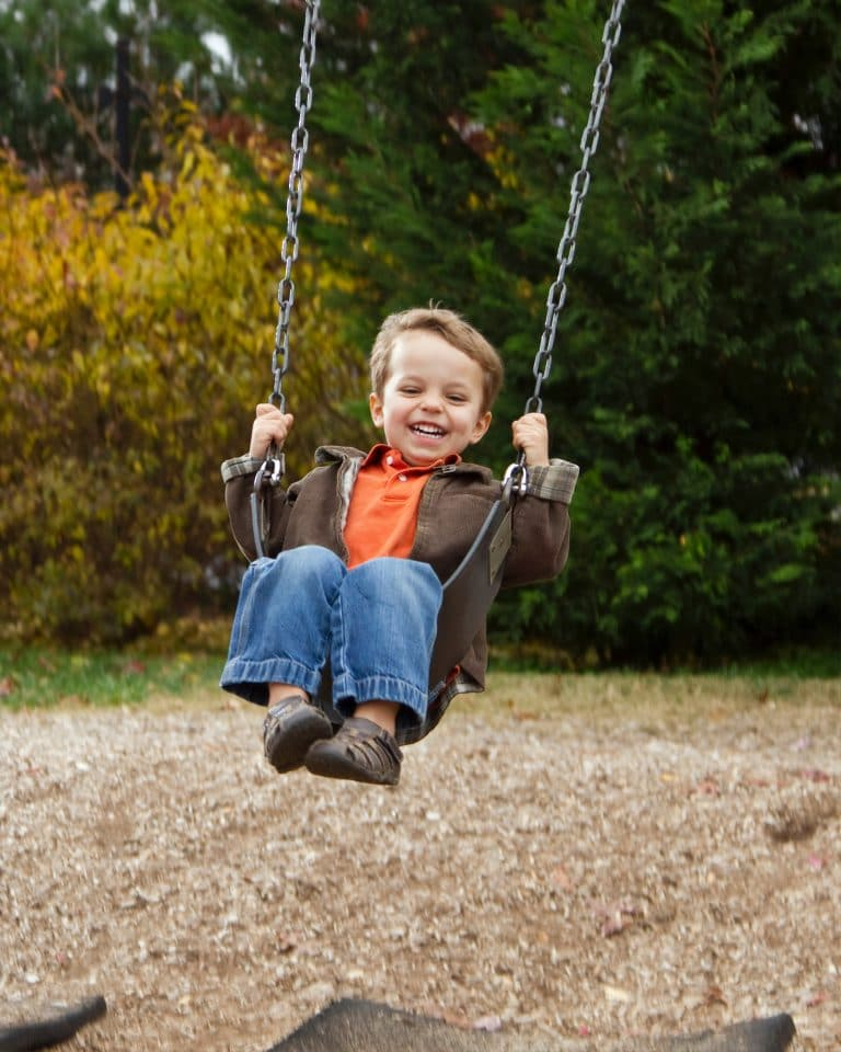 Best Swing Sets for Small Yards: Let the Fun Begin!